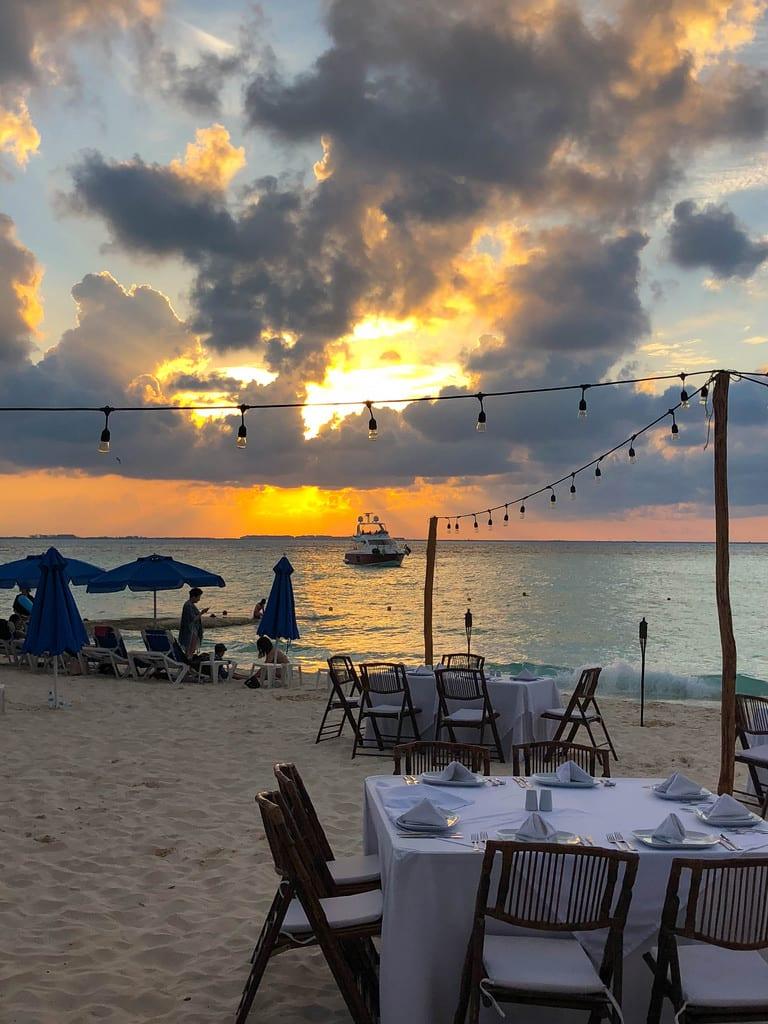 sunset dinner isla mujeres playa norte